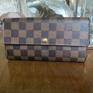 Auth Louis Vuitton Sarah wallet